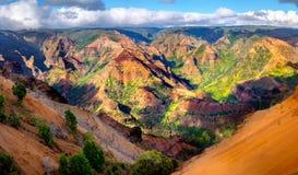 Opinião panorâmico da paisagem da garganta de Waimea em Kauai, Maui Imagens de Stock