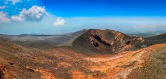 Opinião panorâmico da paisagem do vulcão de Etna, Sicília imagens de stock