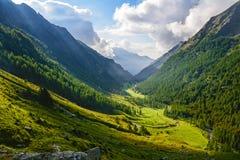 Opinião panorâmico de Alpes fotos de stock