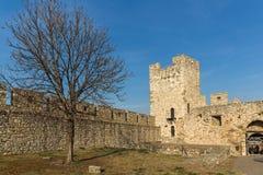 Opinião panorâmico do por do sol da fortaleza de Belgrado e do parque de Kalemegdan no centro da cidade de Belg fotografia de stock