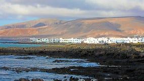 A opinião panorâmico surpreendente da bandeira de Punta Mujeres no mar balança em L fotos de stock royalty free