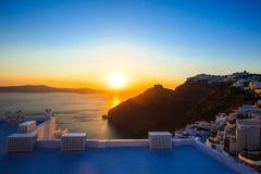 Opinião perfeita do por do sol no lado de mar em Thira imagem de stock royalty free