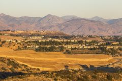 Opinião Porter Ranch Hillside Construction em Los Angeles fotografia de stock royalty free