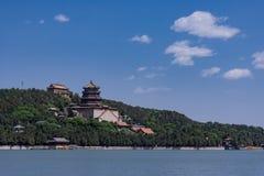 Opinião real chinesa de palácio de verão do jardim foto de stock royalty free