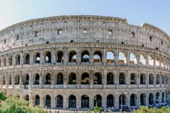 Opinião Roman Coliseum da rua chamada Foto de Stock Royalty Free