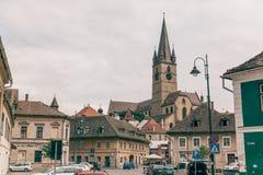 Opinião stradal de Sibiu no verão Fotos de Stock Royalty Free