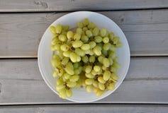 Opinião superior das uvas verdes Fotografia de Stock