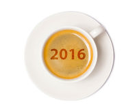 Opinião superior de copo de café isolada no fundo branco com grampeamento Fotos de Stock Royalty Free