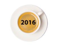 Opinião superior de copo de café isolada no fundo branco com grampeamento Fotografia de Stock Royalty Free