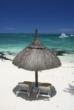 Opinião superior de guarda-chuva de praia fotografia de stock royalty free