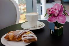 Opinião superior do café da manhã bonito fotos de stock royalty free