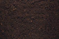 Opinião superior do fundo fértil da textura do solo do jardim fotos de stock