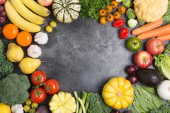 Opinião superior vegetais do arco-íris, colheita do outono Imagem de Stock