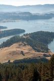 Opinião surpreendente do outono do reservatório de Dospat, montanha de Rhodopes Fotos de Stock Royalty Free