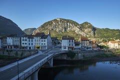 Opinião Tarascon-sur-Ariège da manhã fotografia de stock