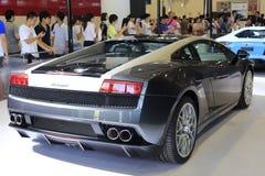 Opinião traseira de carro de esportes dos noctis do lp 560-4 do gallardo de Lamborghini foto de stock