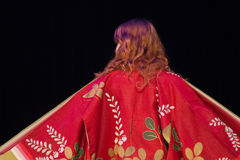 Opinião traseira a mulher do quimono imagens de stock royalty free