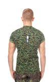 Opinião traseira o soldado do exército que está na atenção Imagem de Stock Royalty Free