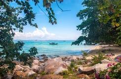 Opinião tropica do mar Foto de Stock Royalty Free