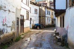 Opinião velha da rua da cidade de Tarakli que é um distrito histórico na província de Sakarya Foto de Stock