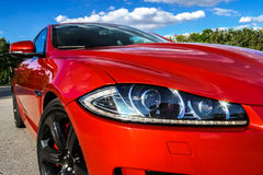 Opinião vermelha luxuosa do carro Imagens de Stock Royalty Free