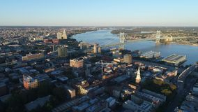 Opinión aérea Ben Franklin Bridge Philadelphia almacen de video