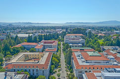 Opinión aérea Berkeley University Campus y San Francisco Bay fotos de archivo libres de regalías
