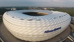 Opinión aérea de la arena de Allianz del abejón almacen de metraje de vídeo