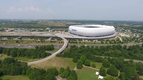 Opinión aérea de la arena de Allianz del abejón Parque verde
