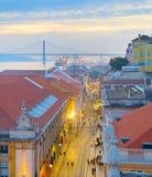 Opinión aérea de la calle de Lisboa, Portugal Foto de archivo