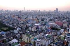 Opinión aérea de la ciudad de Bangkok en el crepúsculo, Tailandia Fotografía de archivo libre de regalías