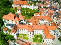 Opinión aérea de la ciudad de Fussen Imagen de archivo