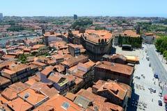 Opinión aérea de la ciudad vieja de Oporto, Portugal Imagenes de archivo