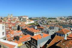 Opinión aérea de la ciudad vieja de Oporto, Portugal foto de archivo libre de regalías