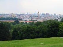 Opinión aérea de la ciudad de Viena del palacio de Shonbrunn Imagen de archivo