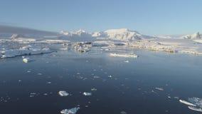 Opinión aérea de la estación vernadsky antártica polar almacen de video