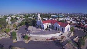 Opinión aérea de la iglesia almacen de metraje de vídeo