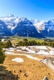 Opinión aérea de la naturaleza de la nieve en la montaña Imagen de archivo