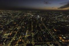 Opinión aérea de la noche de Los Ángeles California céntrica Imágenes de archivo libres de regalías