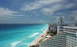 Opinión aérea de la playa de Cancun Fotos de archivo libres de regalías