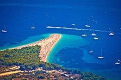 Opinión aérea de la playa de la rata de Zlatni, isla de Brac fotografía de archivo libre de regalías