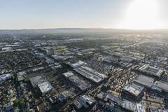 Opinión aérea de la tarde cerca de Van Nuys Blvd imagenes de archivo
