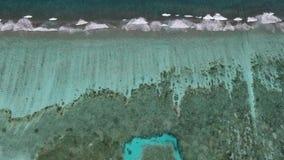 Opinión aérea de Maldivas almacen de metraje de vídeo
