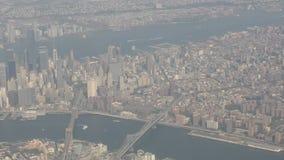 Opinión aérea de Manhattan almacen de metraje de vídeo