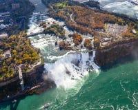Opinión aérea de Niagara Falls fotos de archivo libres de regalías