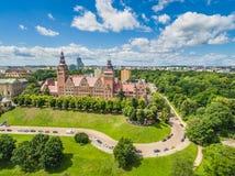 Opinión aérea de Szczecin Paisaje de la ciudad con los ejes de Chrobry vistos del lado de Odra Imagenes de archivo