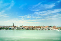 Opinión aérea de Venecia, plaza San Marco con el campanil y palacio del dux. Italia Imagenes de archivo