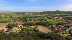 Opinión aérea del abejón de la ciudad de piedra gótica medieval almacen de video