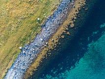 Opinión aérea del abejón de la costa costa de la naturaleza del lugar remoto Imagen de archivo libre de regalías