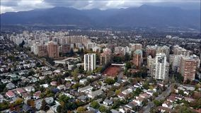 Opinión aérea del abejón de Santiago la capital de Chile Imagen de archivo